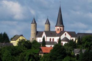 Eifelon Blick vom Königsberg auf Basilika Steinfeld