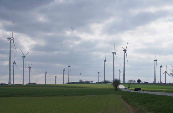 _Windpark-Schoeneseifen2017H.R.Hugo